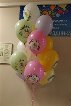 Фонтан из 15 пастельных шаров с рисунком на 8 марта - фото 44824