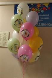 Фонтан из 15 пастельных шаров с рисунком на 8 марта